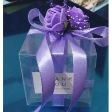 Украшение коробок цветами