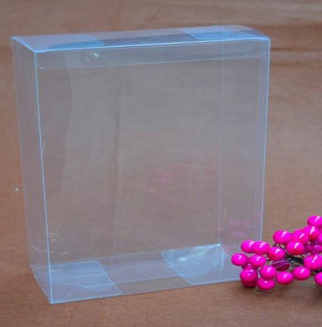 Большая прозрачная коробка для товаров