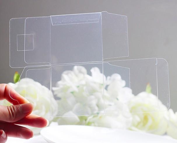 Пластиковая коробка со швом под клей
